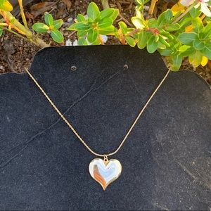 Jewelry - Vintage heart gold plated necklace